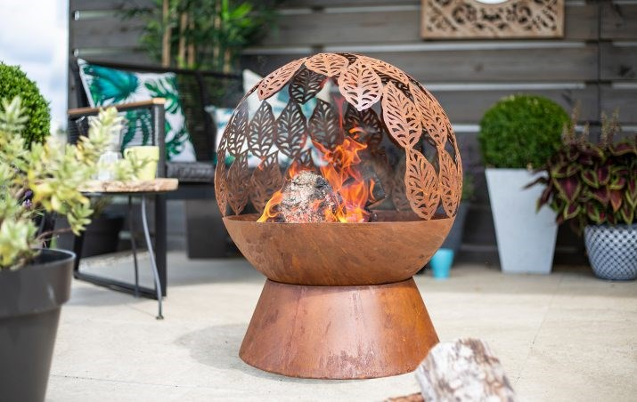 Globe Firepit With Leaves