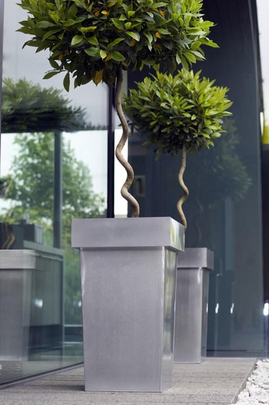 metal plant pot tall contemporary planter designer metal. Black Bedroom Furniture Sets. Home Design Ideas
