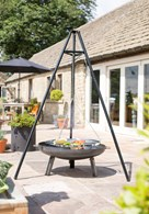 Tripod Barbecue Campfire with Adjustable Grill